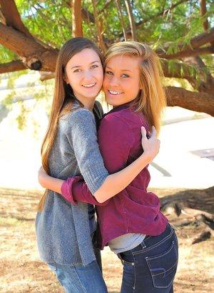Lesbian Humping Pics